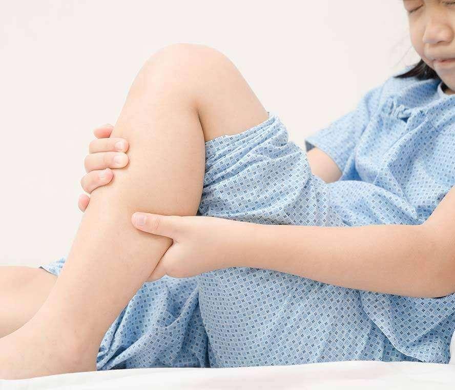 התכווצויות בגפיים בקרב ילדים על הרצף